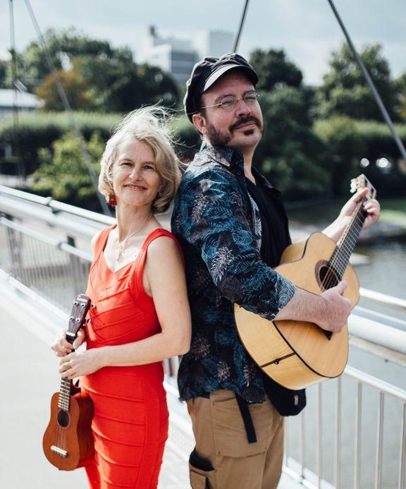 Lidou: Bettina Leukel und Walther Jochen